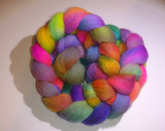 """Wool roving/top, 4oz. Hand painted Corriedale wool roving for spinning/felting multi color """"Oh my!"""" Oregon, Pacific Northwest"""