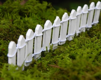 White Picket Fence Miniature Fairy Garden Accessories 1 Inch Tall X 6  Inches Long Dollhouse