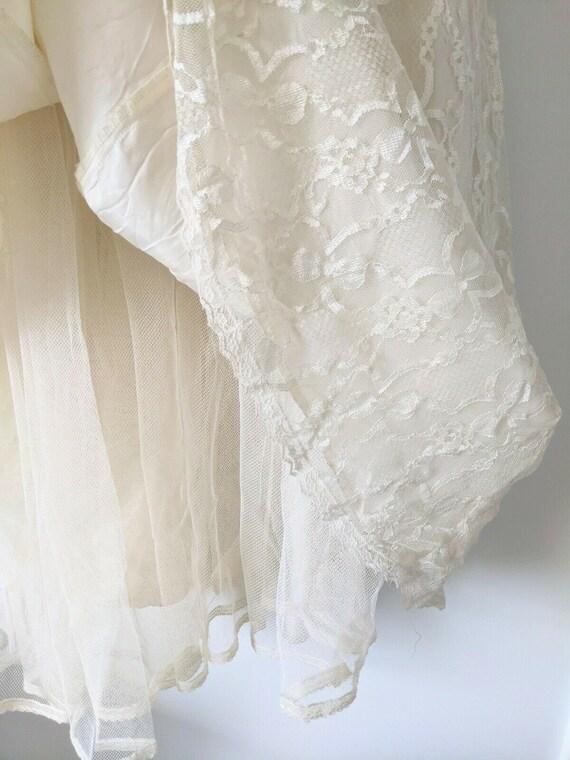 Vintage Gunne Sax white lace dress cottagecore - image 4