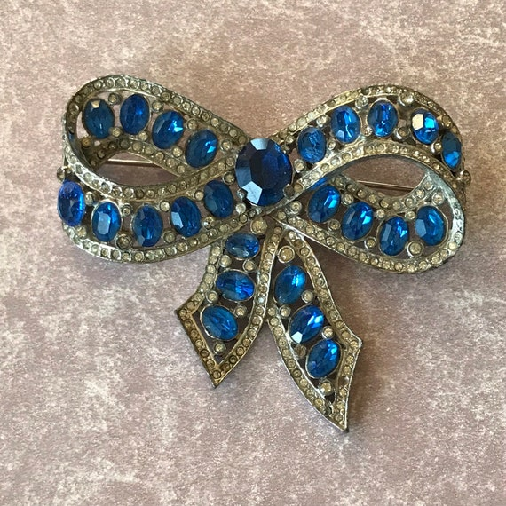 Blue Rhinestone Bow Unsigned Famous Maker, Popular Style