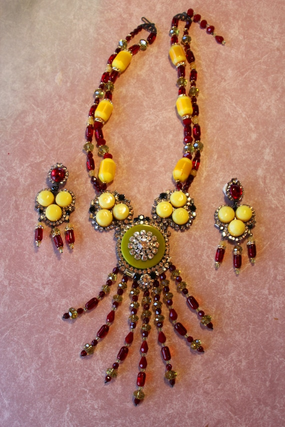 Moans Bakelite Couture Handmade Necklace and Earrings