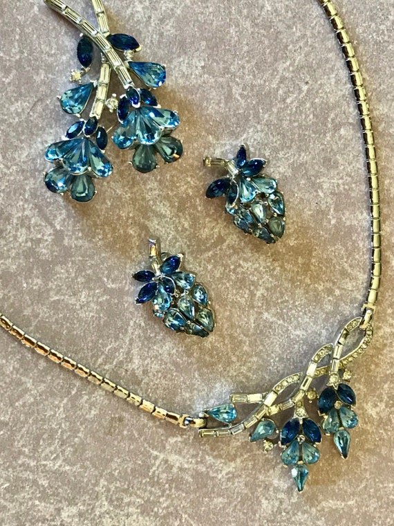 Trifari signed  Beautiful 'Alfred Philippe' Sapphire and Blue Topaz Parure