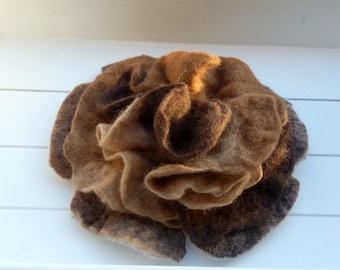 Felt Brooch brown large