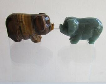 Porcs pierres oeil de tigre sculpté et vert