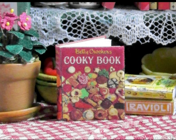 BETTY CROCKER'S CHRISTMAS Cooky Cookbook Miniature Dollhouse 1:12 Scale Book Cookie Holiday Tiny Food