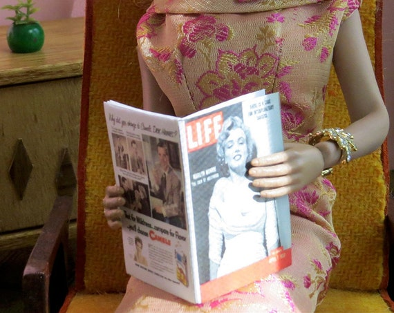 LIFE MAGAZINE 1:6 Scale 1952 MAGAZINE Readable Illustrated Marilyn Monroe #1 Norma Jeane Mortenson Blonde Blythe Pullip Barbie Phicen Scale