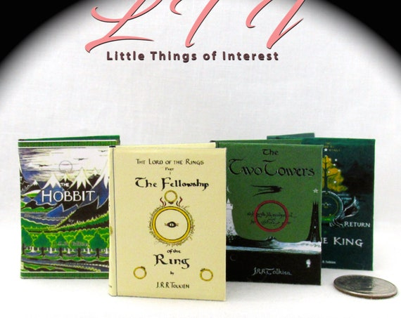 LORD Of THE RINGS Books Set of 4 Books Readable Illustrated Books Hobbit Fellowship Ring Two Towers Return of the King 1:6 Scale Play Scale