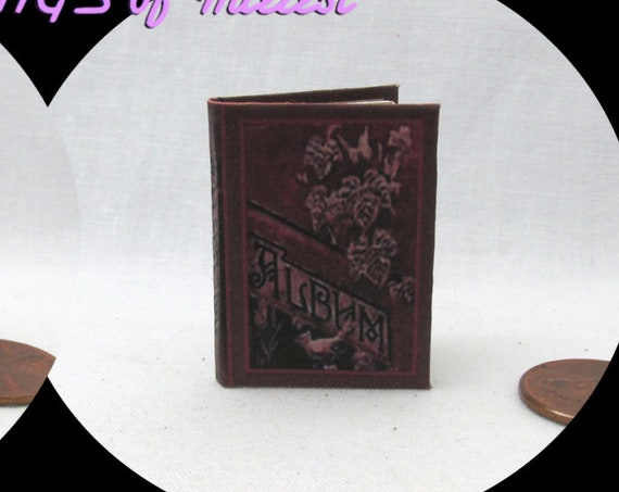 1:6 Scale VINTAGE PHOTO ALBUM Miniature Book Play Scale Victorian Picture 6th Scale Barbie Monster High Fashion Dolls