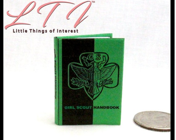 GIRL SCOUT HANDBOOK 1:6 Scale Illustrated Readable Book Girlscout Blythe Momoko Pullip Barbie Monster High Fashion Dolls Scale Book