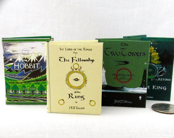 1:6 Scale LORD Of THE RINGS Books Set of 4 Books Readable Illustrated Blythe Play Scale Hobbit Fellowship Ring Two Towers Return of the King