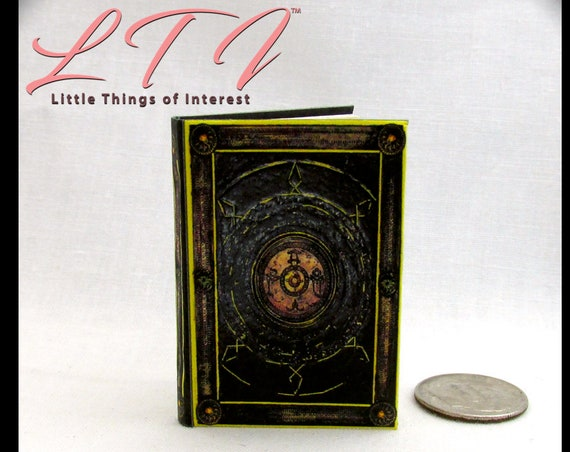 BOOK OF CAGLIOSTRO 1:6 Scale Readable Illustrated Miniature Book Doctor Strange Marvel Comic Movie Avengers Strange Barbie Play Scale Phicen