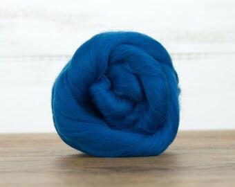 Aquamarine Merino Wool Top Fiber For Spinning Felting Weaving or Blending Board for Rolags