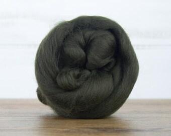 Moss Merino Wool Top Fiber For Spinning Felting Weaving or Blending Board for Rolags