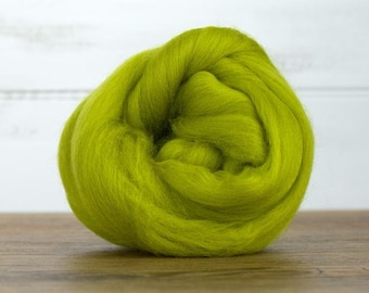 Gooseberry Merino Wool Top Fiber For Spinning Felting Weaving or Blending Board for Rolags