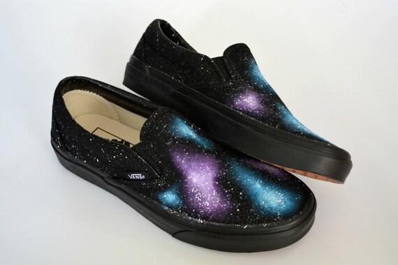Galaxy Vans, Slip auf, benutzerdefinierte Vans, benutzerdefinierte Sneakers, klassische Vans, Galaxy Fashion, Space Vans, Nebula Vans, einzigartige