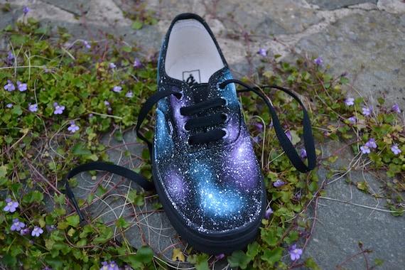 Galaxy Vans, benutzerdefinierte Vans Schuhe, benutzerdefinierte Sneakers, benutzerdefinierte Vans, Galaxy Mode, Space Vans, Nebel Vans, einzigartige