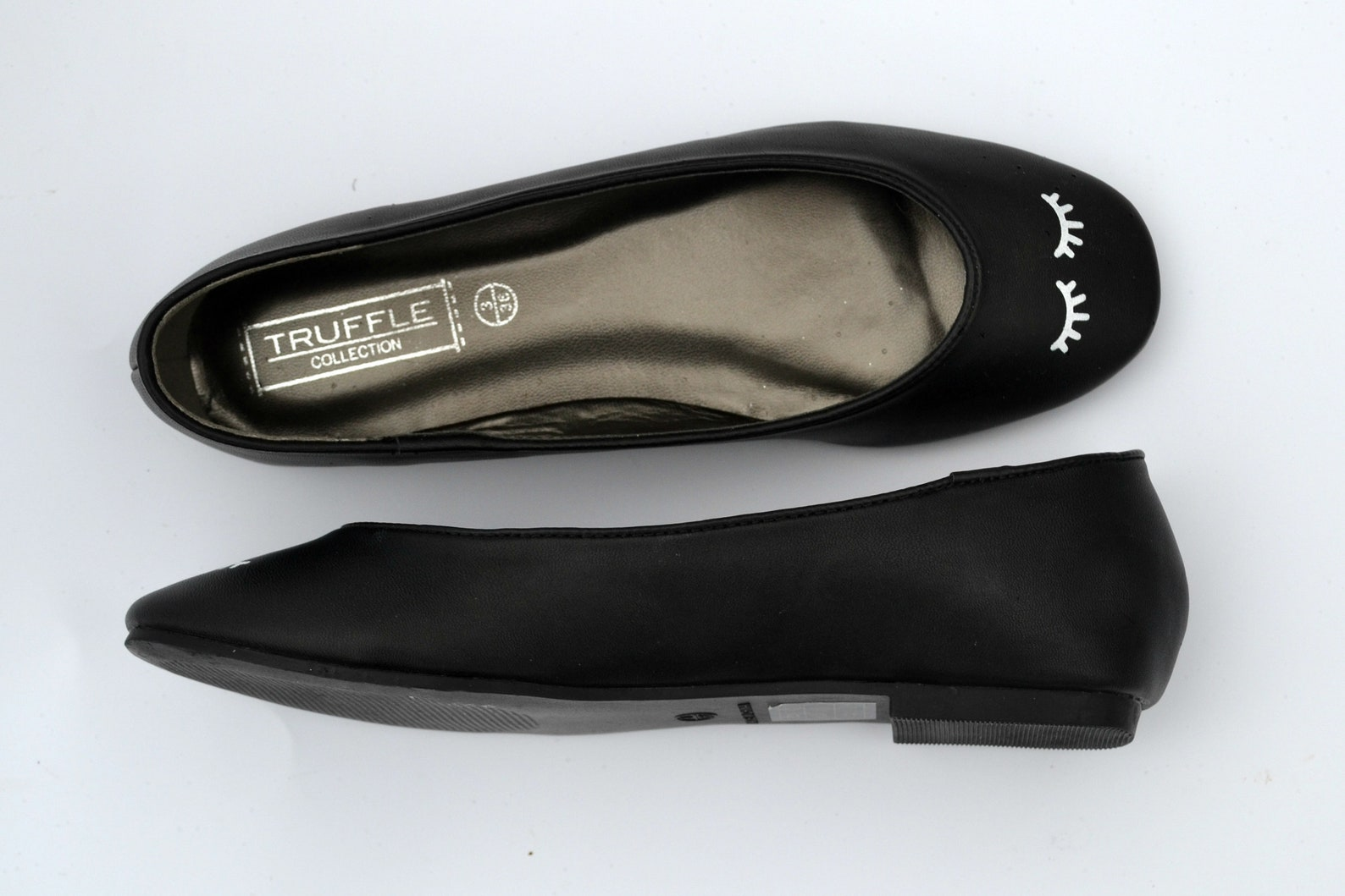 ballet flats, kawaii shoes, women's pumps, black shoes, flat shoes, eyelash fashion, back to school, black and white, cute,