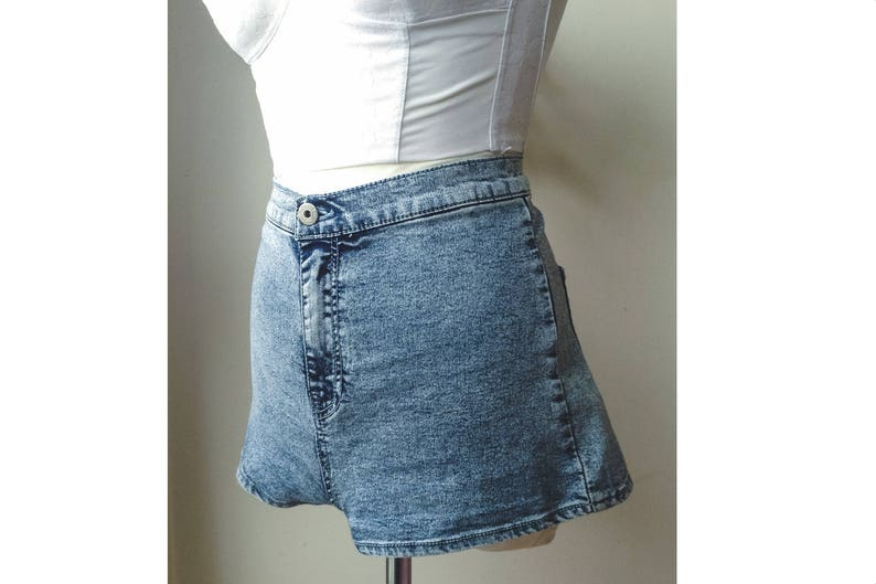 Vintage 90s Shorts Jeans Blue Mid Waist Acid Wash Classic Denim jean Size L PULL /& BEAR Size Large STRETCH Summer Beach Party Short Pants