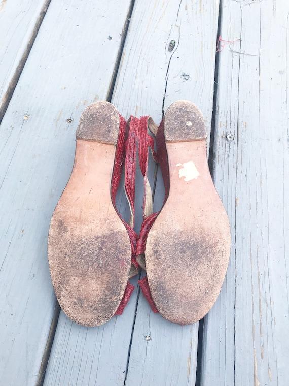 Vintage 1940s Wedge Sandals - Red Snake Skin Size… - image 7
