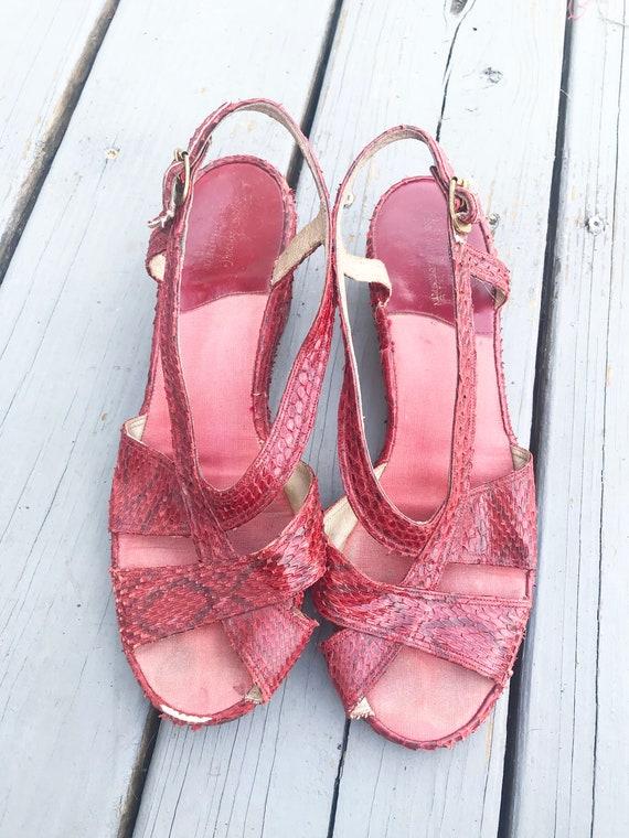 Vintage 1940s Wedge Sandals - Red Snake Skin Size… - image 3
