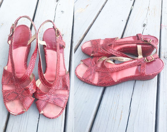 Vintage 1940s Wedge Sandals - Red Snake Skin Size