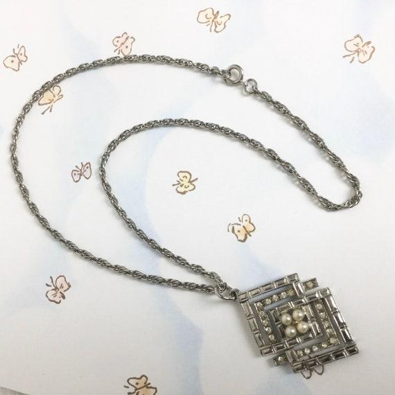 Coro vintage rhinestone and pearl necklace Art De… - image 5