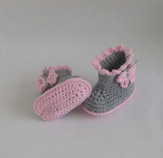 Babyschuhestiefel Schmetterling Häkelanleitung