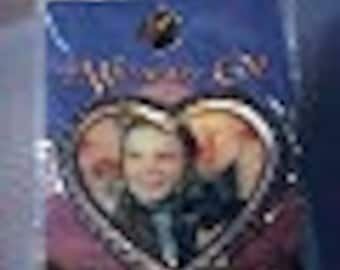 Vintage,  Wizard of Oz Enameled pin - Dorothy and Toto in heart - Mint on card - Estate find!