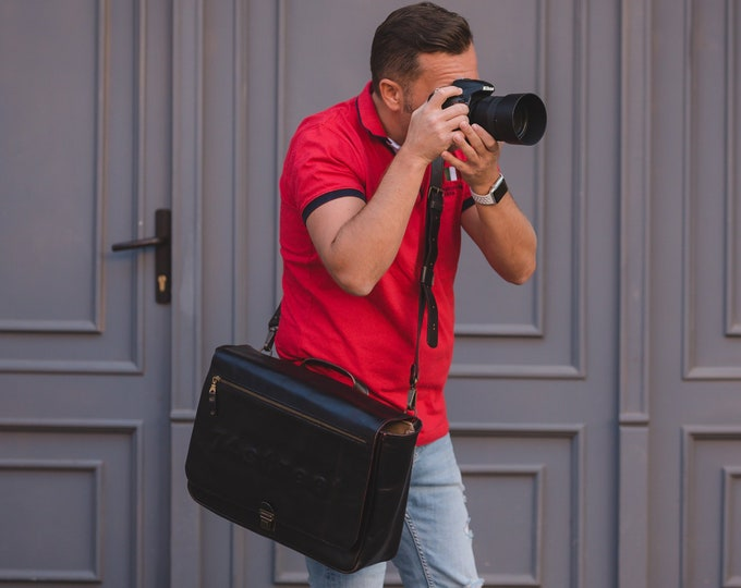 Camera Bag, Luxury Two cameras Photographer , hedgehog fasten Self Compartmenting Bag, Camera Bag, Photographer 15 inch bag, Canon Mark