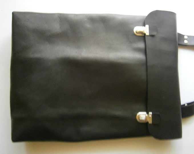 "15""Mac book Pro Laptop Bag, Messenger Bag, Vertical Laptop Bag, Handmade Black Leather Bag, Custom order Bag, Student's bag, FREE SHIPPING"