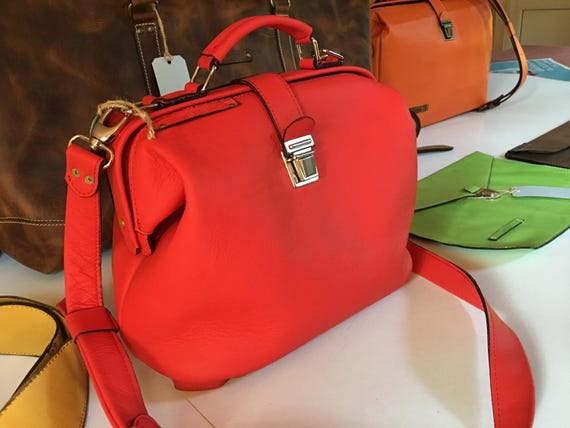 Retro style Red Bag, Retro Vintage Leather Bag, Vitage look leather bag, hand bag, metal framed leather bag, doctor bag, Mary Poppins Bag