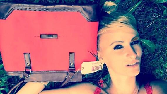Luxury Duffle Bag, Travel Bag, Overnight Bag, Weekender Bag, Large Everyday bag, Red Leather Bag, Luggage and travel, Luggage