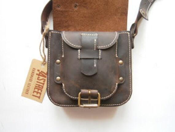 Kokoon Crossbody bag,Pouch Full Grain Leather Bag, Man Bag, Man Crossbody, unisex Handmade Bag