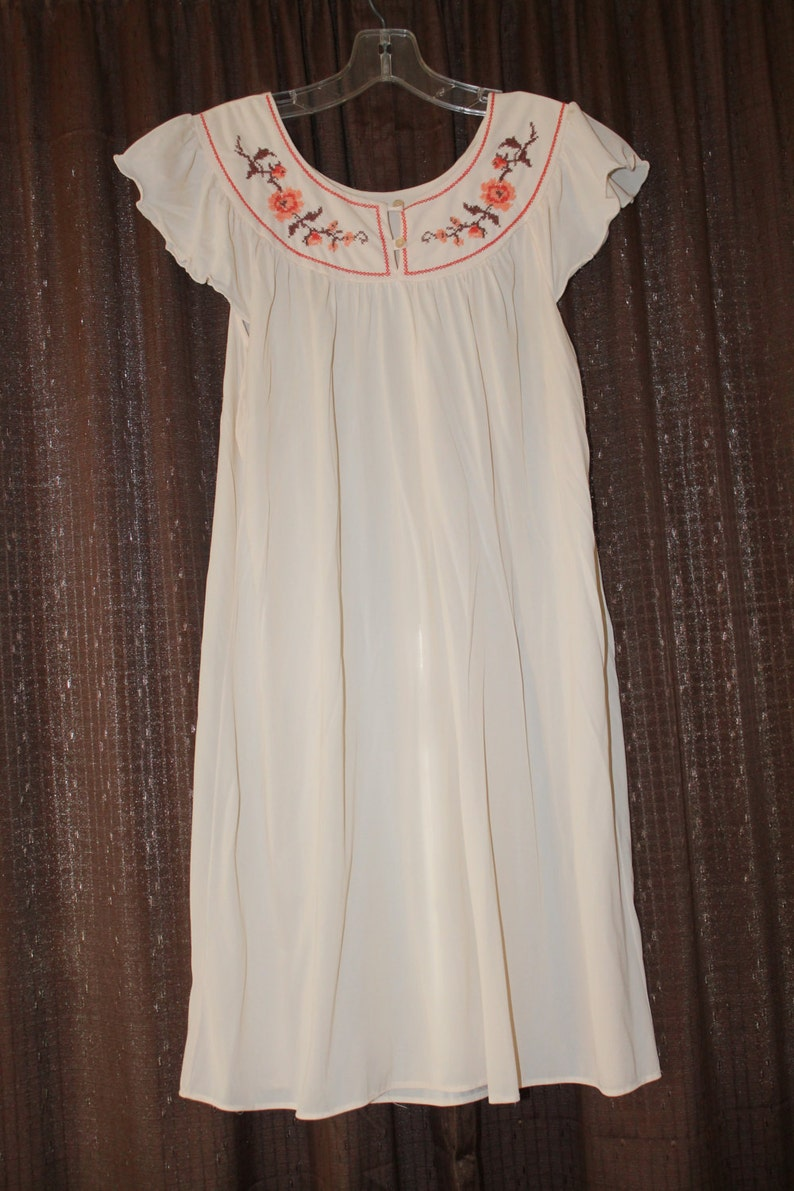2 Pc Embroidered Nightgown and Robe Set