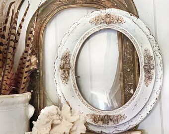 Antique OVAL Wooden Frame White and Gold Gilded Ornate Leaf Acorn Farmhouse Decor Gesso Flowers