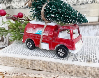 Christmas RED TRUCK With Flocked GREEN Bottle Brush Tree Vintage Toy Farmhouse Christmas