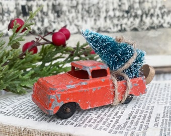 Christmas TRUCK With Flocked GREEN Bottle Brush Tree Vintage Toy Farmhouse Christmas