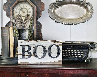 Halloween BOO Sign Vintage Salvage Barn Wood Reclaimed White Chippy Paint Farmhouse Decor Architectural Sign Party Decor Fall Decor