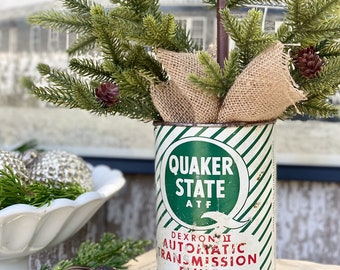 Vintage QUAKER STATE Tin Can Farmhouse Decor Industrial Salvage Christmas Decor Red Green Transmission Fluid 1 Quart