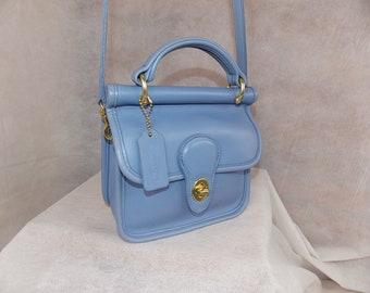 b5e63882fb6e COACH Vintage  Winnie  ~  Mini WILLIS  Bag ~  B7C-9023 ~ Brass ~  Periwinkle! ~ Used a few Times CONDITION