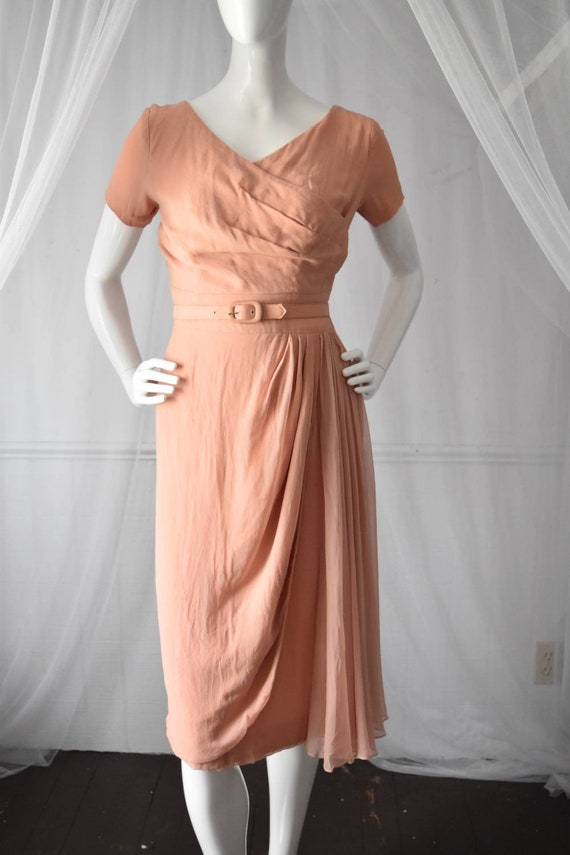 1950s Vintage Dusty Rose Pink Hourglass Cocktail D