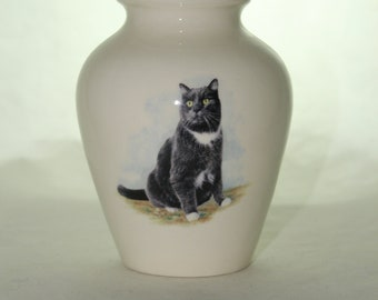 Black and White Cat on Ceramic Jar with Lid, Small Cremation Urn, Keepsake Urn, Baby or Infant Urn. Handmade small Pet Urn