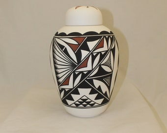 Adult Cremation Urn for Human Ashes, large Cremation Urn, large jar with lid, art pottery, handmade