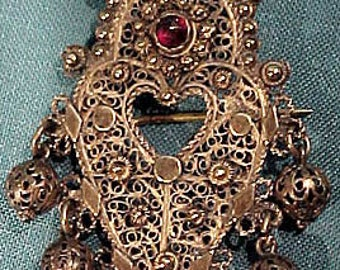 Indonesian Gilt Sterling Silver Filigree Garnet Pin Brooch 1900 1920