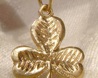 9k Yellow Gold Shamrock Clover Charm Pendant Irish Hallmark 1950 1976