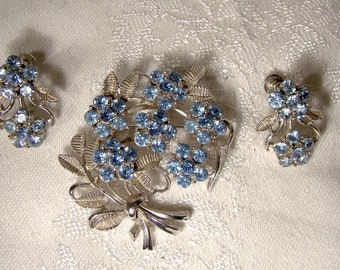 Coro Blue Rhinestone Flowers and Leaves Brooch Pin and Earrings Set 1950s