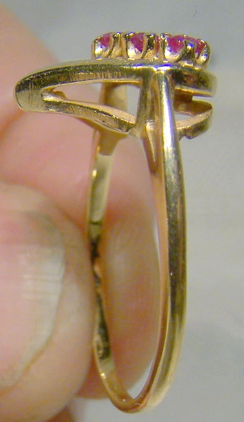 14K Rubies Heart Ring 1970s 14 K 3 Ruby Row Size 7