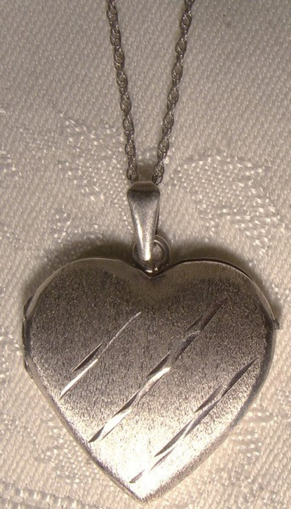 Heart Sterling Silver Locket & Chain Necklace 1970