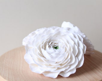 Hair clip polymer clay flower. White ranunculus.