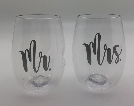 Mr and Mrs GoVino Wine Glass (Two Glasses)